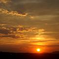 写真: 鉄塔と太陽