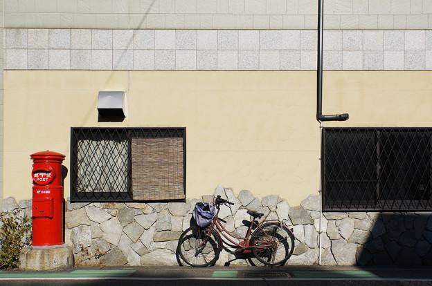 自転車とポスト