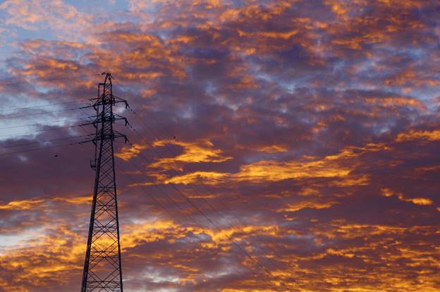 鉄塔と朝焼け