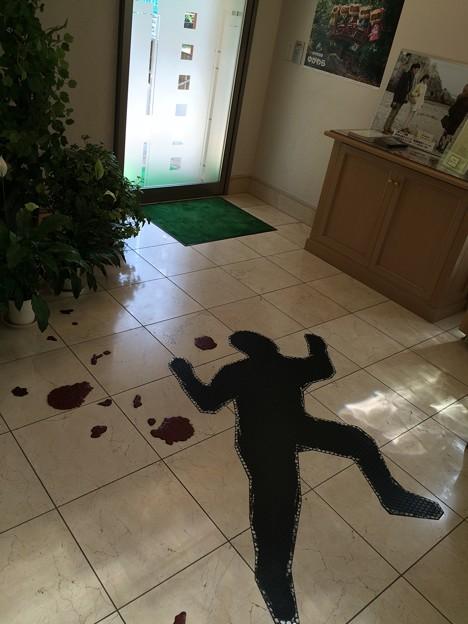 入口の悲劇