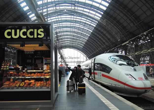 フランクフルト中央駅にて