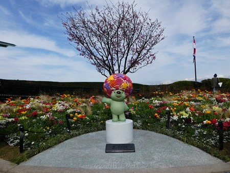 180324-ガーデンベアモニュメント@みなとの見える丘公園 (4)