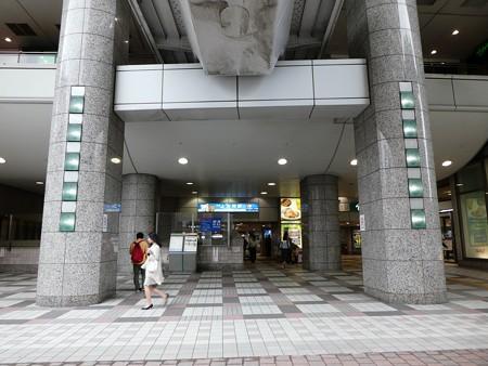 かみがおおおか駅(外) (1)