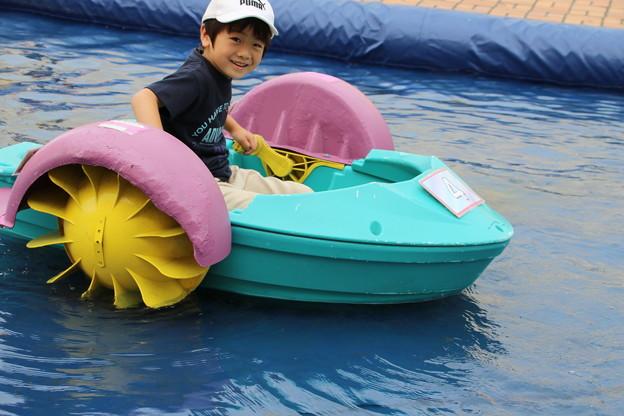孫のボート漕ぎ
