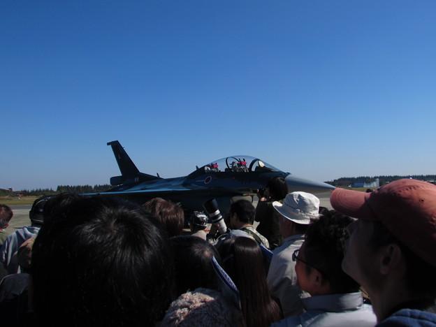 F-2・・・って戦闘機だからネ!!