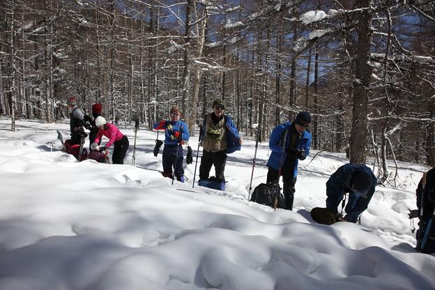 日本の山 雪山講習会S1 蓼科山 春のような天候で、アウターを脱ぐほど