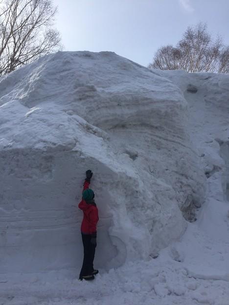 雪の八幡平と後生掛温泉 雪の壁です