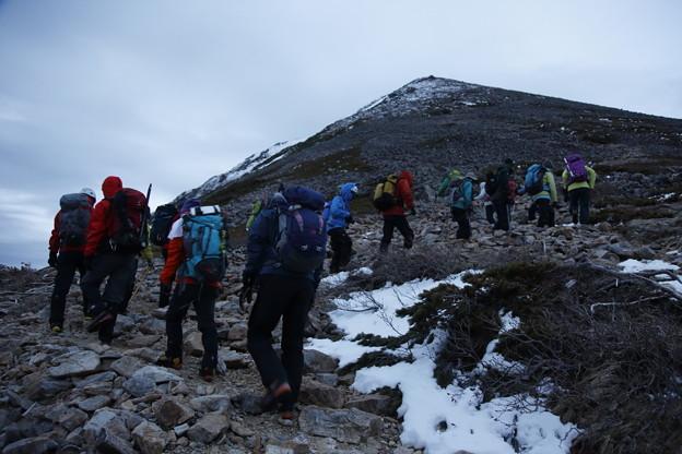 日本の山 雪山講習会S2 常念岳 日の出前に出発です