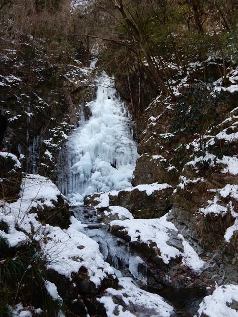 払沢の滝 完全結氷