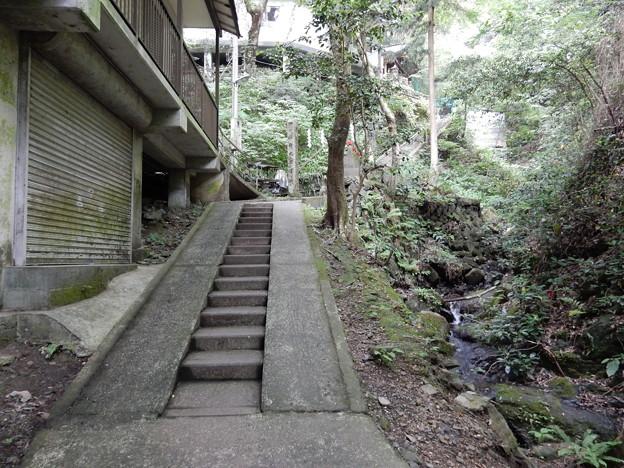 高尾山蛇瀧水行道場