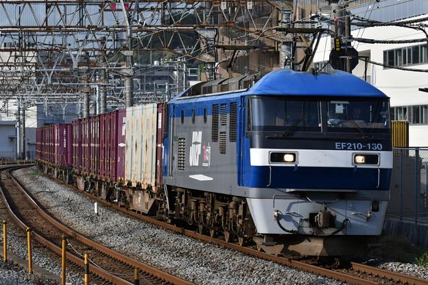 写真: 貨物列車 (EF210-130)