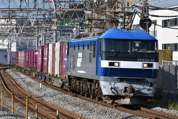 写真: 貨物列車 (EF210-12)