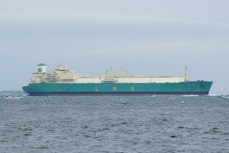 2)289m LNG IMO(35mm換算300mm)浦賀水道南航船 第一海堡方面