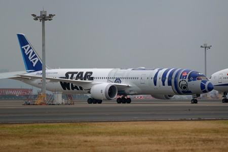 R2-D2 ANA JET 居た