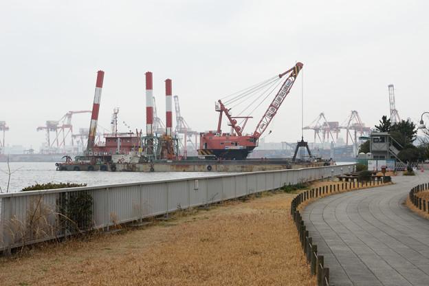 もしかして新客船ふ頭ターミナルの工事着工してる?