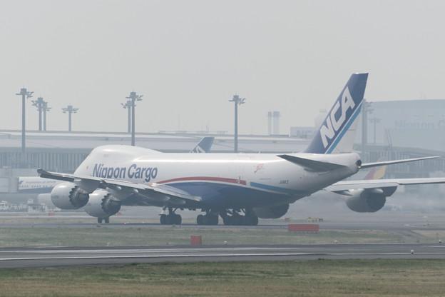 日本貨物航空(NCA) B747-8KZF/SCD JA11KZ (4)