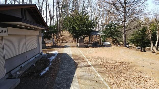 上野幌神社を背にすると