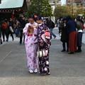 写真: 浅草の和服姿