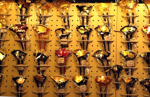 写真: 簪の店