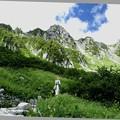 宝剣岳を見ながら散策