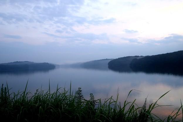 暮れゆく狭山湖