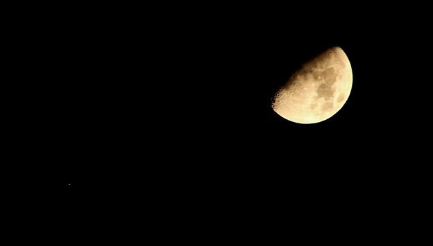 月と星(月齢9.4)20181018
