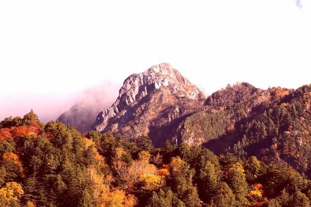 黒部ダムよりの山風景