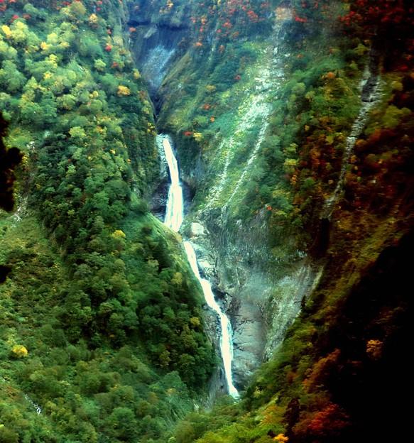 秋の弥名滝