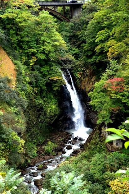 大田切渓谷不動滝の全貌風景