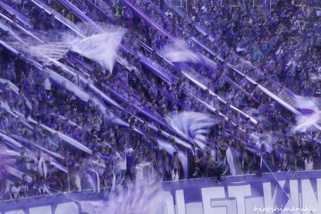 紫のサポーターズ