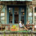 Photos: 小樽運河の傍らで