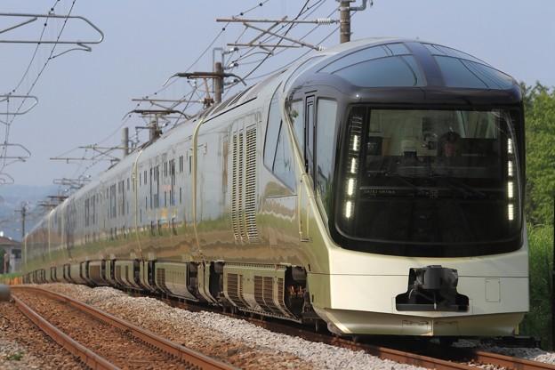 8010M E001形『TRAIN SUITE 四季島』 10両