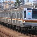 写真: 702131レ 東京メトロ7000系7127F 8両