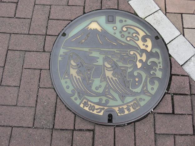 焼津市のマンホール蓋