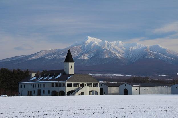 1181125-1 酎工場と初冬斜里岳