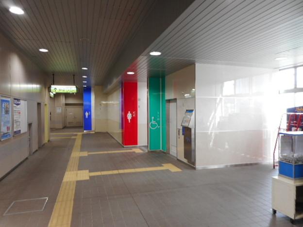 160ゆりかもめ豊洲駅トイレ外観