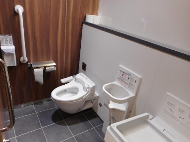 054りんかい線天王洲アイル駅トイレ(05)