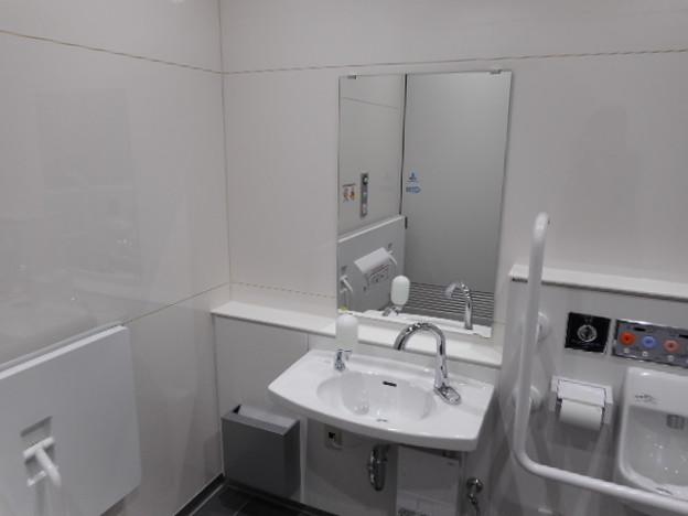 054りんかい線天王洲アイル駅トイレ(09)