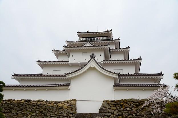 鶴ケ城 天守閣を見上げる