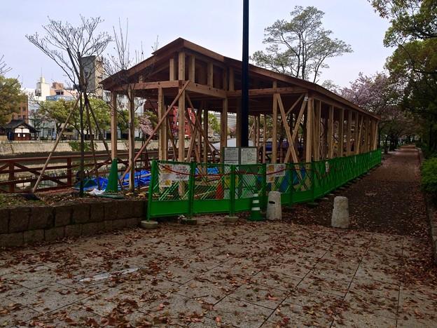タイ料理レストラン まな~む ぴぃすぅあ 広島市南区稲荷町 京橋川左岸 河岸緑地 2016年4月8日
