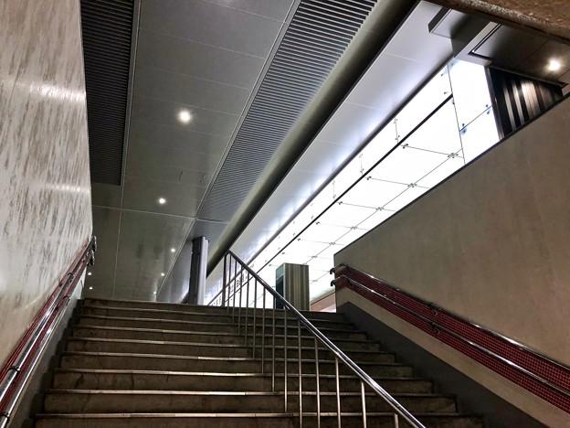 広島駅 新幹線口 地下自由通路 階段 広島市南区松原町 2018年5月12日