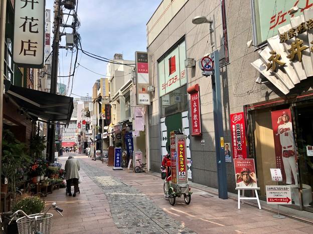 広島市中区本通 桜井花店 中の棚 2018年6月24日