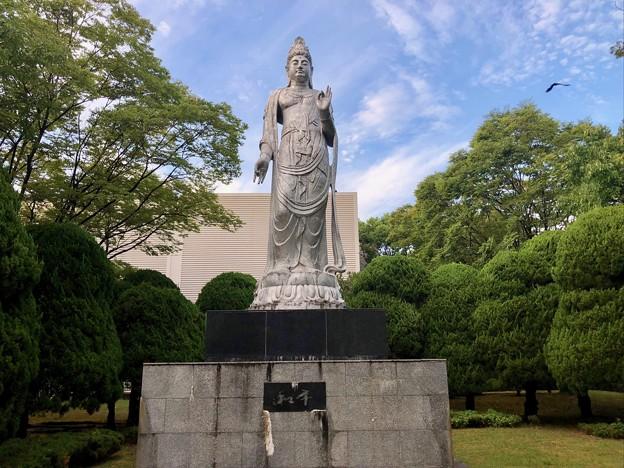 聖観世音菩薩像 北村西望 広島市中区基町 2018年8月31日