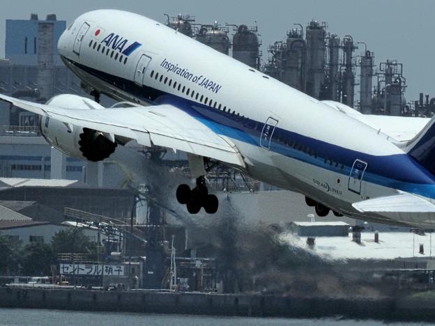 ANA エンジン全快で離陸