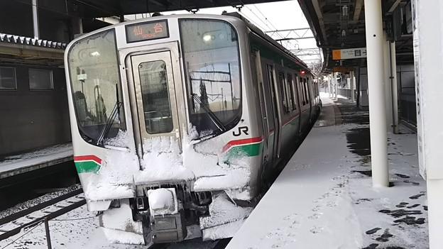 雪のE721系 国府多賀城にて 2018年撮り納め