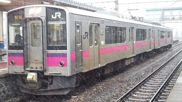 吹雪の701系秋田行き 酒田にて