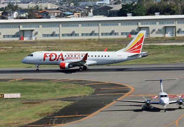 JA12FJ FDA フジドリームエアラインズ ERJ-175 IMG_8206_2