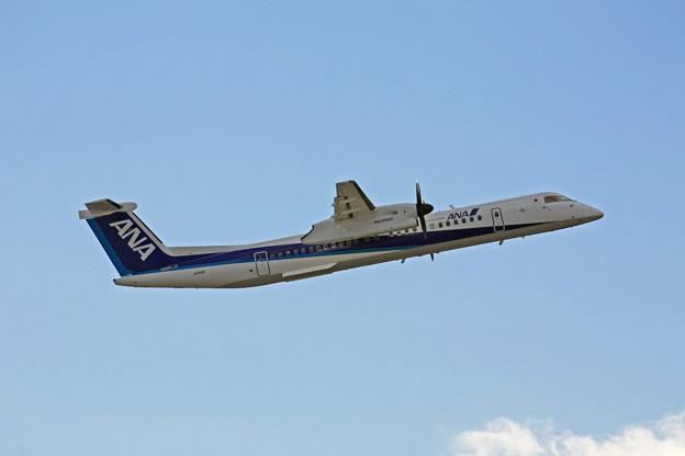 ANAウィングス ボンバルディア DHC8-Q400 JA852A IMG_8725_2