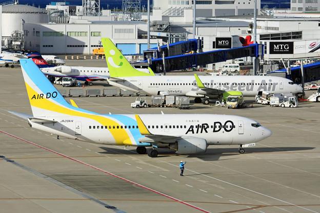 ソラシドエア B737-800 JA806X & AIRDO B737-700 JA09AN IMG_8794_2