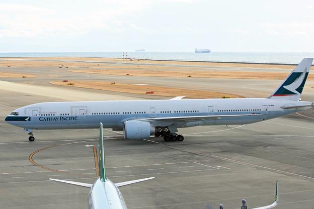 キャセイパシフィック航空 B777-300ER B-KQW IMG_8778_2
